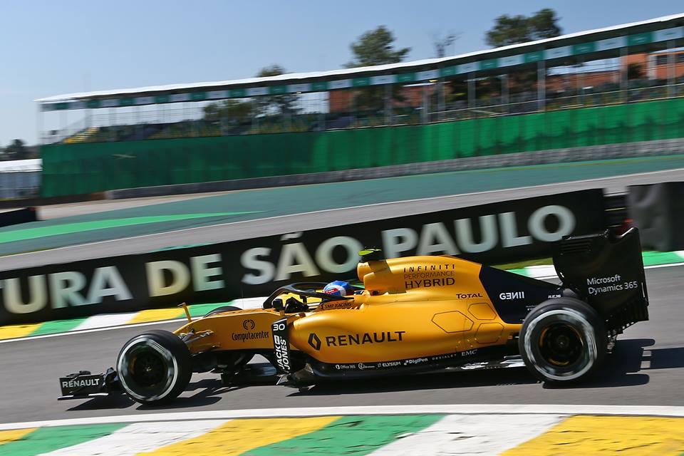 Renault RS16 Infiniti Brazil GP F1